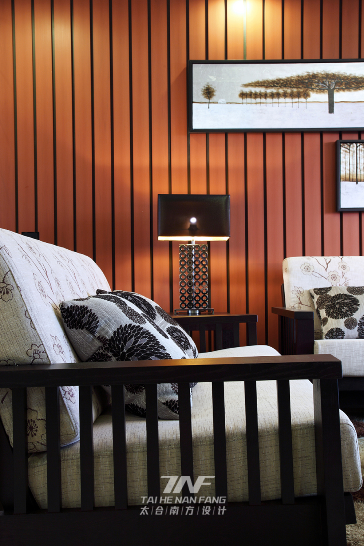 中式风格  四居室  白领 客厅图片来自王五平设计在东莞皇家公馆住宅的分享