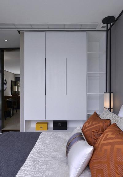 卧室图片来自家装大管家在清雅含蓄 103平现代中式3居室的分享