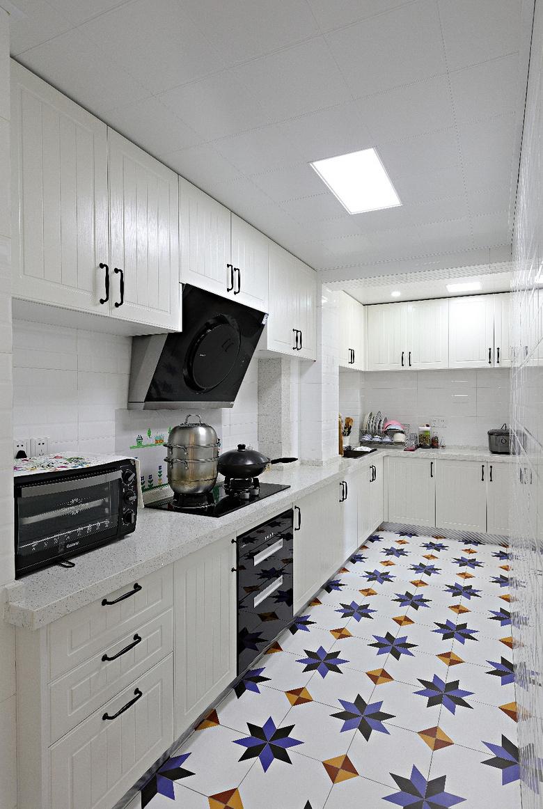 厨房图片来自家装大管家在89平北欧清新之家 文艺青年之选的分享