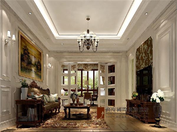 美式的书房简单实用,但软装颇为丰富,各种象征主人过去生活经历的陈设一应俱全。