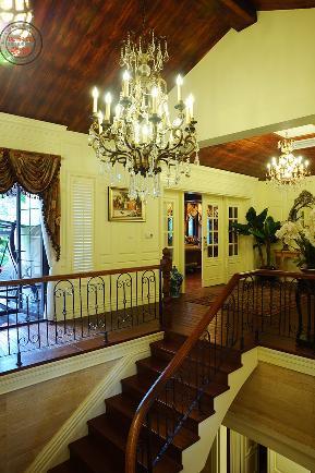 美式 乡村 楼梯图片来自重庆优家馆装饰在优家馆装饰【蓝湖郡】的分享