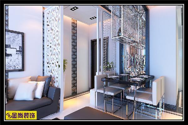 从入户门正好看到客厅,玄关的设计对户外的视线产生了一定的视觉屏障,不至于开门见厅,让人们一进门就对客厅的情形一览无余