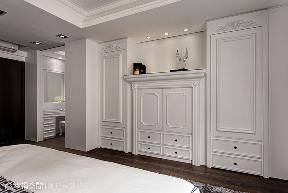 四居 新古典 别墅 收纳 卧室图片来自幸福空间在二次换屋不蜗居 132平新古典宅的分享