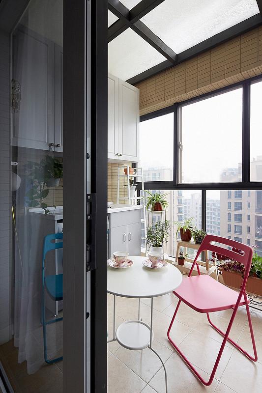 简约 三居 阳台图片来自岚庭家居在电建地产盛世江城94㎡清新美式的分享