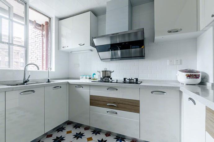北欧 混搭 三居 厨房图片来自北京今朝装饰装修达人在110平米北欧混搭三居室的分享