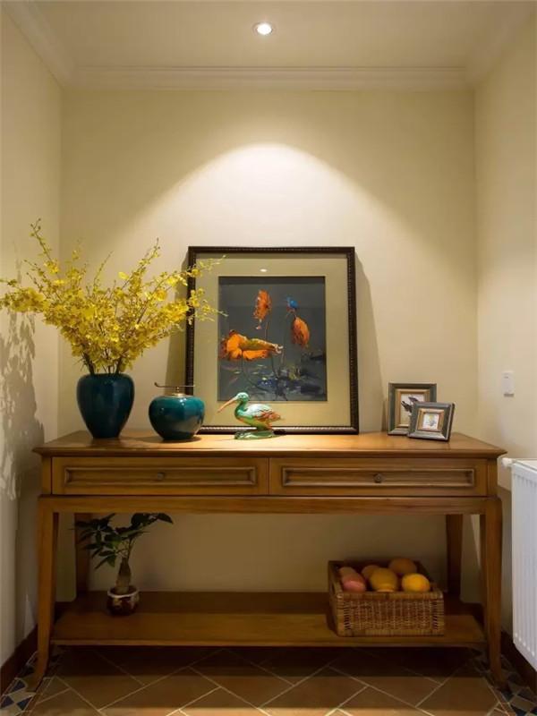 美式 三居 小资 80后 旧房改造 玄关图片来自高度国际姚吉智在125平米温馨浪漫美式三居室的分享