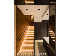 混搭 现代 艺术 别墅 旧房改造 楼梯图片来自幸福空间在家就是艺术馆 老屋化身日光别墅的分享