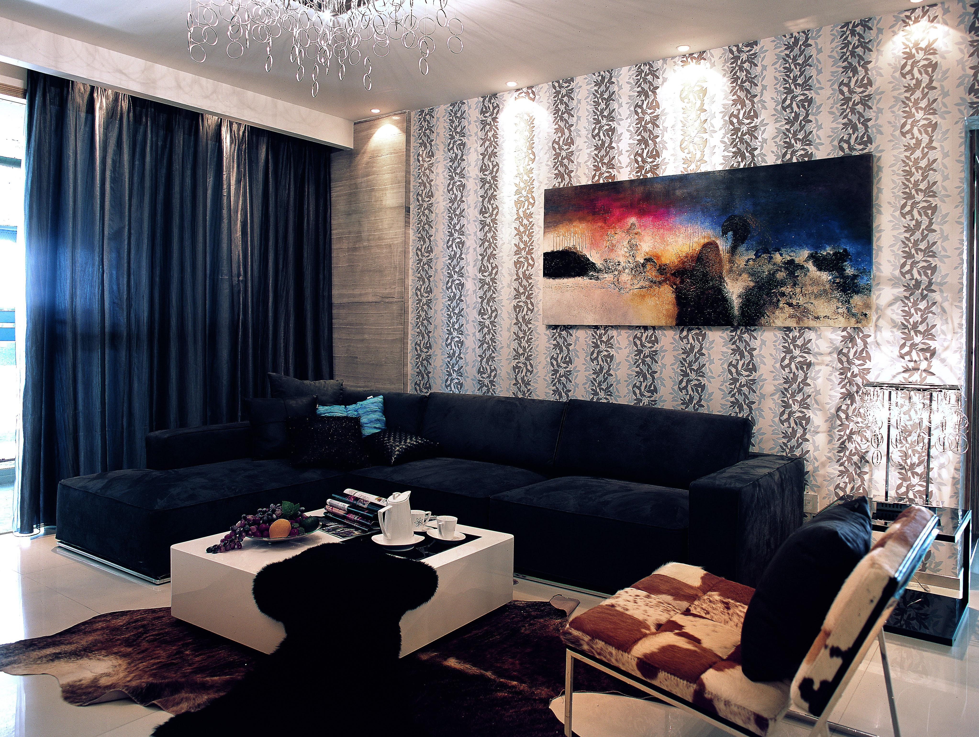 欧式 简约 三居 旧房改造 客厅图片来自紫禁尚品国际装饰公司在凯旋城后现代简约设计的分享
