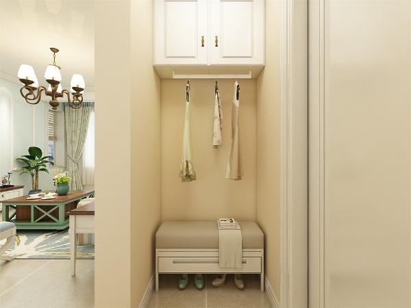 玄关有衣柜的设置,拜托了都多数鞋柜的设置,衣柜和储物柜结合