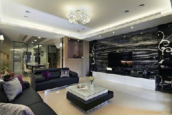 电视主墙-明镜喷以黑烤的电视主墙面,元素呼应于客、餐厅之间做出过渡造型。