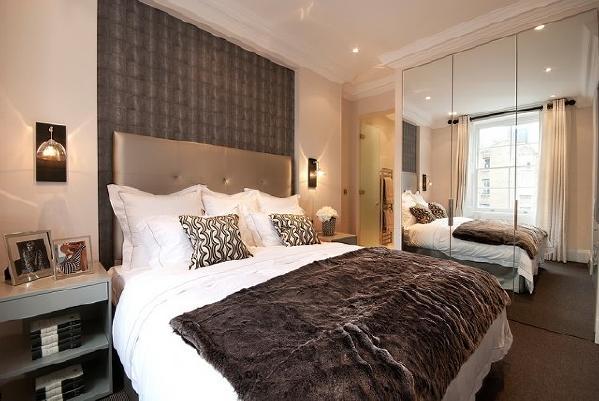 整体效果看,显得卧室很有档次,还有些创意的家具。