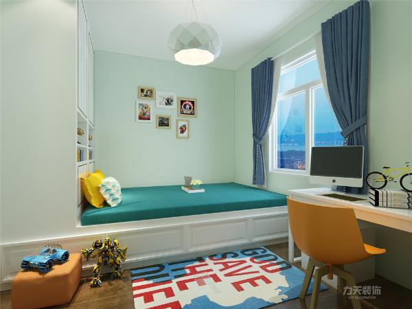 儿童房采用榻榻米的形式,突出主题,颜色轻松活泼