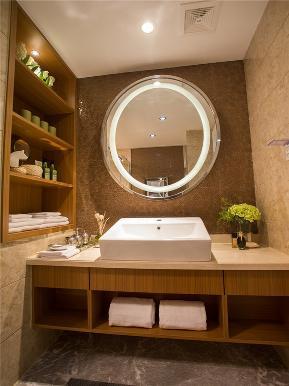 简约 现代 三居 80后 小资 大户型 卫生间图片来自高度国际姚吉智在136平米现代简约三居轻奢有品位的分享
