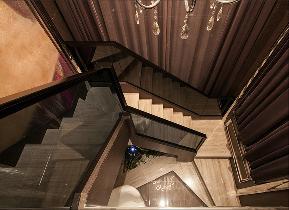 简约 欧式 混搭 白领 80后 小资 楼梯图片来自乐粉_20170523094252350在低调奢华的温馨的分享