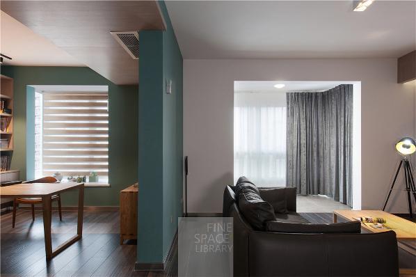 相互半独立的书房与客厅,适度的开敞与互动。