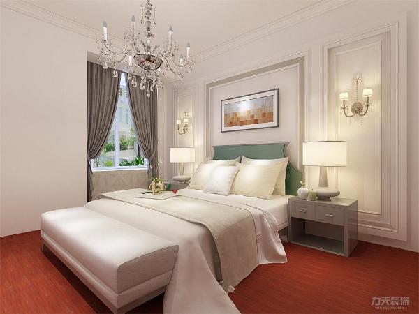 卧室同样用了简单的线条、较少的装饰物。在床的设计选择上,软装到位,简单的风格看起来更年轻,更有家的温馨。在窗台处做了一个飘窗增加功能性,整体上更加温馨简约。