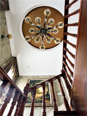 欧式 新古典 别墅 小资 80后 大户型 高帅富 楼梯图片来自高度国际姚吉智在200㎡欧式古典诠释朦胧浪漫之美的分享