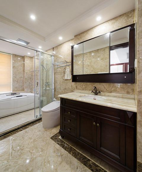 卫生间图片来自家装大管家在130平欧式混搭3居 演绎舒适人居的分享