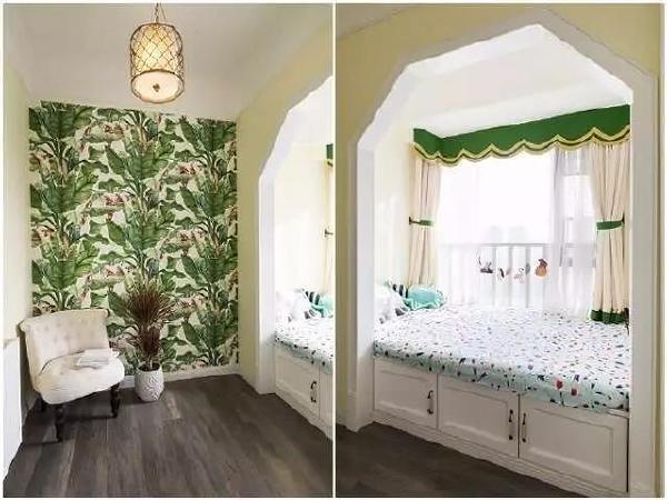 这是一间小卧室,飘窗被做成榻榻米式的床铺,休息区和收纳空间都有了。彩绘的墙面很有艺术感,从小培养孩子的艺术素养。