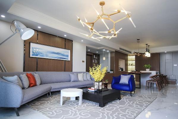 客厅 这里的一对造型优雅极具设计感的单休闲沙是这里最引人注目的元素,不论从造型还是色调上都能很快抓住眼球。