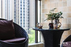 欧式 三居 白领 收纳 小资 别墅 80后 混搭 简约 阳台图片来自中博装饰在御景蓝湾116方简约欧式风格的分享