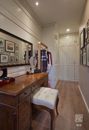 别墅 休闲 美式 心灵安放 衣帽间图片来自龙徽设计在安放的分享