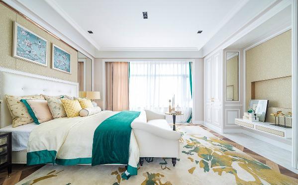 卧室的设计美观、大方。
