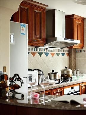 地中海 美式 混搭 大户型 80后 小资 高富帅 三居 厨房图片来自高度国际姚吉智在176平米地中海美式不一样混搭美的分享