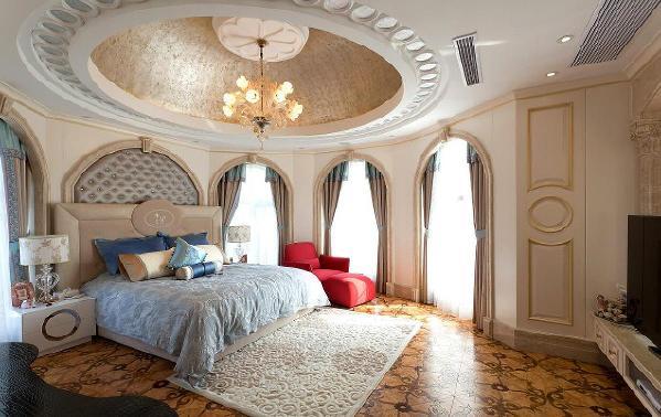 卧室结构图,外观豪华,房间墙壁颜色和天花板颜色比较柔和,如同城堡屋一样。