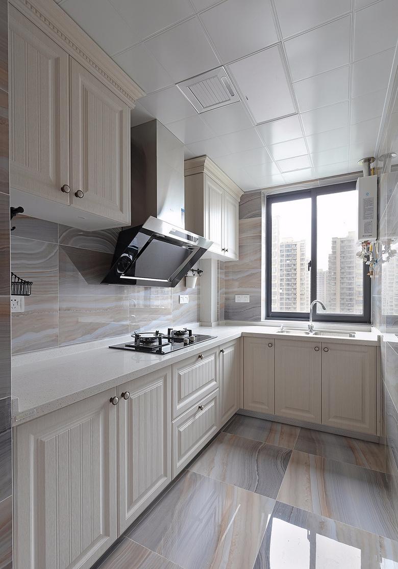 厨房图片来自家装大管家在心中的星光 108平简欧雅致3居室的分享