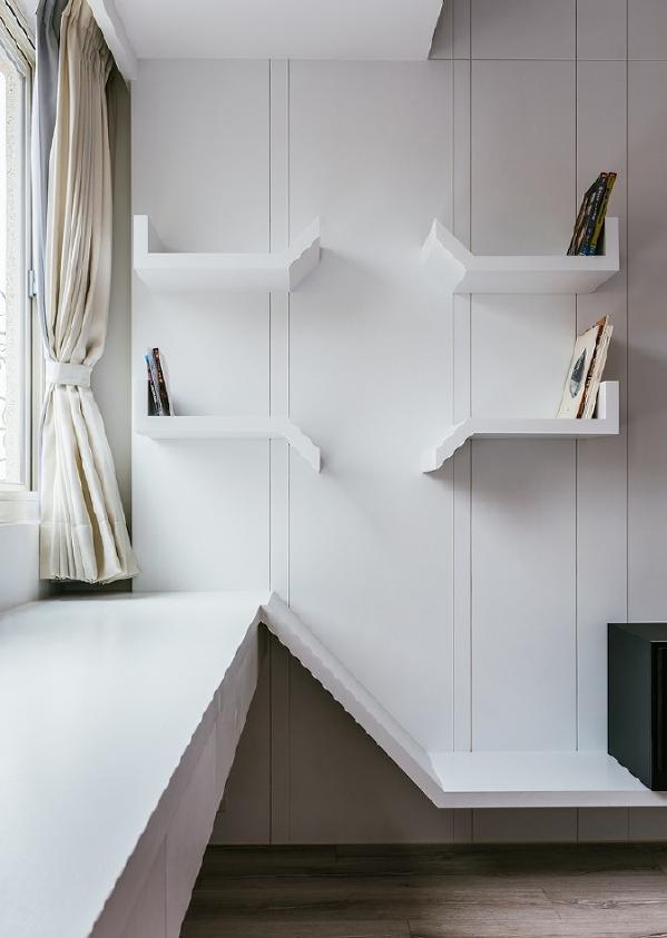 次卧室电视墙书架。