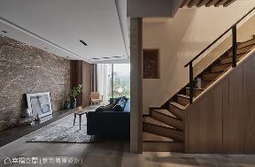 三居 混搭 楼梯图片来自幸福空间在83平天井回廊意象 形塑美好生活的分享