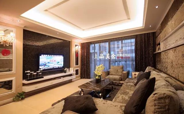 欧式 三居 小资 80后 收纳 客厅图片来自刘耀成在长沙博林金谷婚房设计的分享