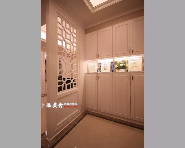 欧式 三居 小资 80后 收纳 玄关图片来自刘耀成在长沙博林金谷婚房设计的分享