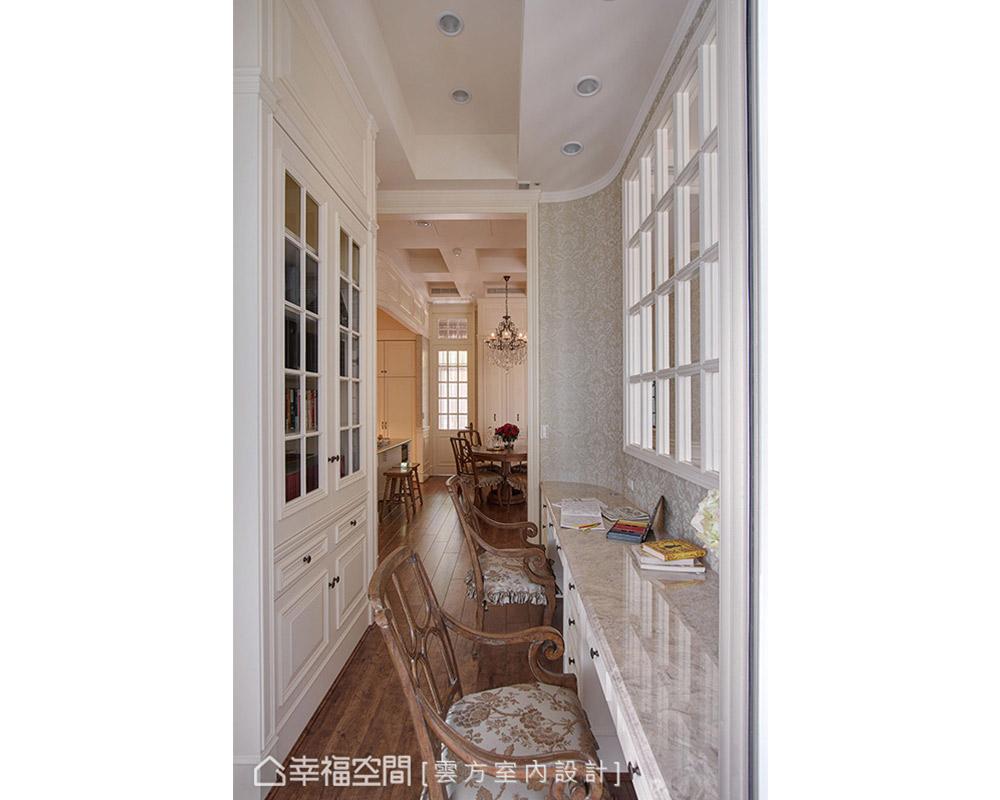 四居 古典 书房图片来自幸福空间在敞朗新貌 132平古典悠扬气场的分享