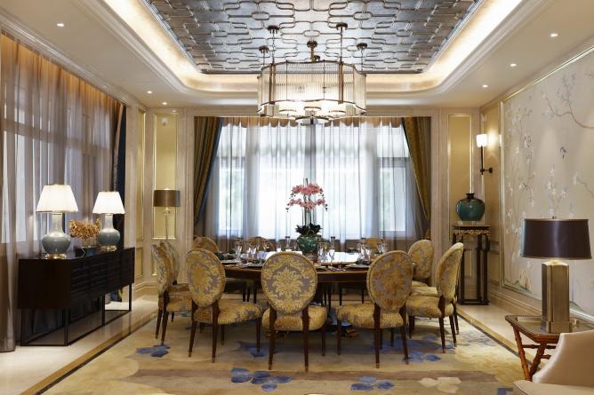 混搭 高度国际 别墅 融创白象街 别墅装修 餐厅图片来自重庆高度国际装饰工程有限公司在豪华装修时尚范十足的分享