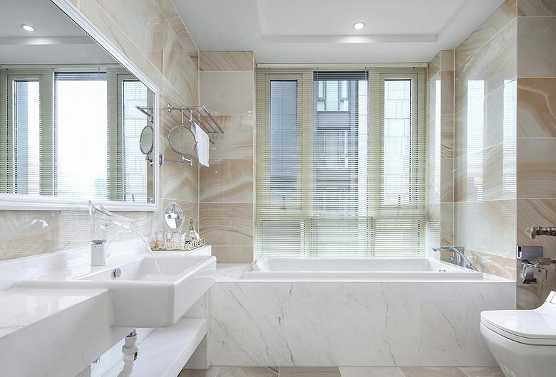 卫生间图片来自家装大管家在优雅时节 145平古典混搭时尚3居的分享