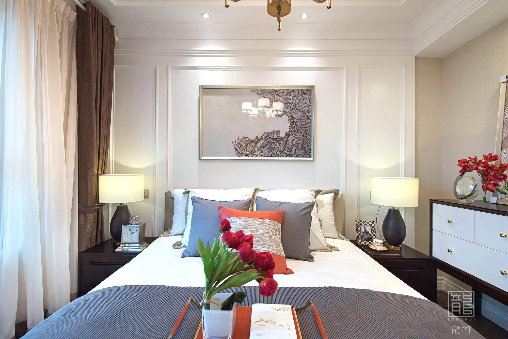 卧室图片来自龙徽设计在风华内敛的摩登绅士的分享