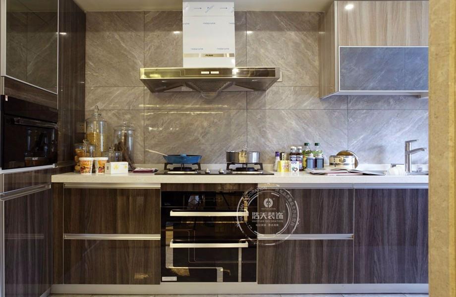 三居 厨房图片来自深圳浩天装饰在浩天装饰君汇新天-现代中式的分享