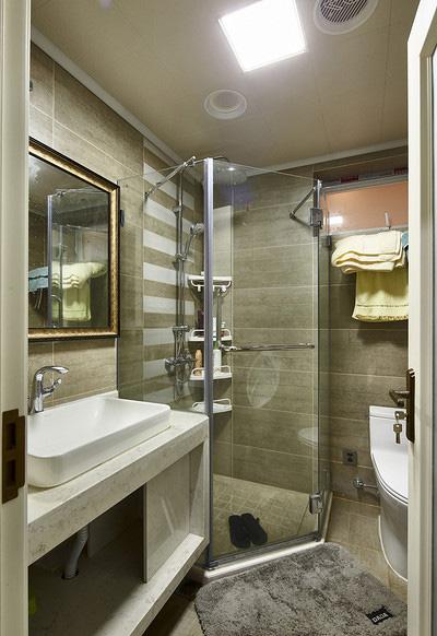 卫生间图片来自家装大管家在放飞自我 170平欧式混搭时尚3居的分享