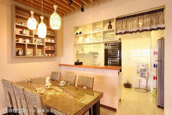 开放串联的餐厨区域,让家人间情感更紧密,同时活化料理、用餐动线。