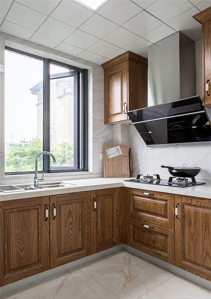 厨房图片来自家装大管家在115平现代美式3居 生活因此更美的分享