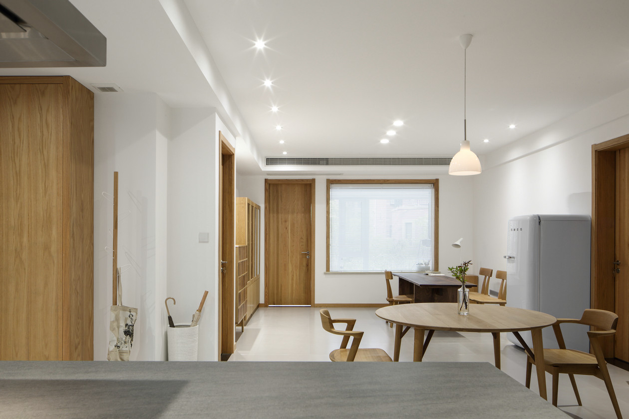 简约 收纳 三居 小资 客厅图片来自金空间装饰集团在简约•原木风的分享