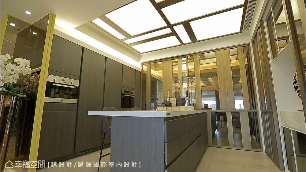 东方 四居 大户型 三代同堂 厨房图片来自幸福空间在479平新东方风三代同堂宅的分享