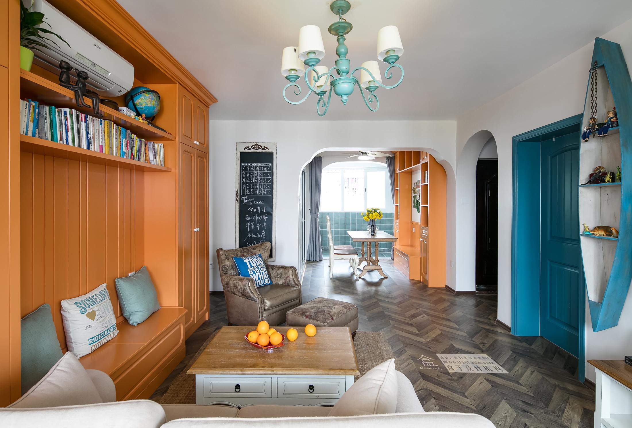 时尚 混搭 三居 白领 收纳 欧式 小资 客厅图片来自盒子设计在冈仁波齐的分享