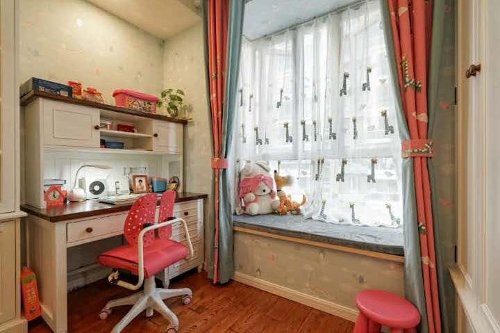 简约 欧式 田园 混搭 二居 三居 收纳 卧室图片来自名星装饰在万景橘苑的分享