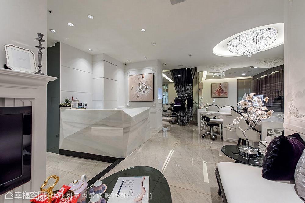 新古典 商业空间 其他图片来自幸福空间在现代时尚古典 黑白与金色微奢风的分享