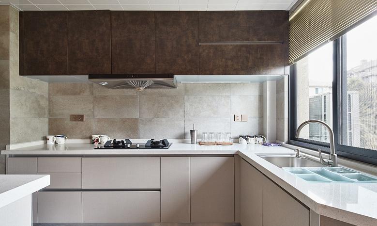 厨房图片来自家装大管家在135平日式禅意3居 停下忙碌脚步的分享