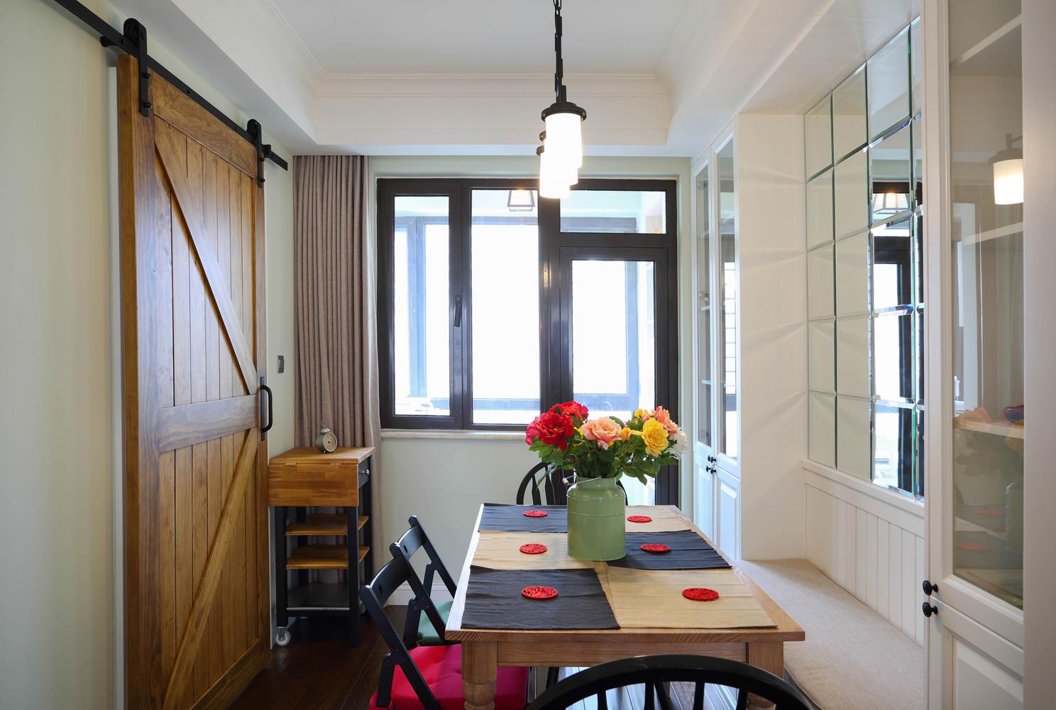 小美风 二居 80后 小资 白领 餐厅图片来自金空间装饰集团在芙蓉万国城MOMA•小美风的分享