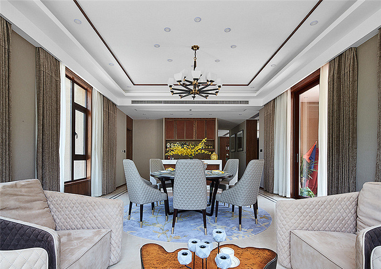 客厅图片来自家装大管家在168平新中式4居 温馨轻松风情的分享